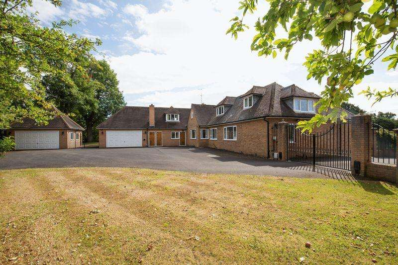 4 Bedrooms Detached House for sale in Edstone, Henley-In-Arden