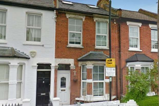 3 Bedrooms Terraced House for sale in Mendora Road, Fulham, Greater London, SW6 7ND