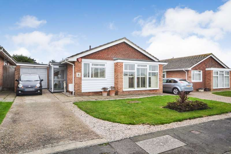 3 Bedrooms Detached Bungalow for sale in Berwick Close, Willingdon, BN22