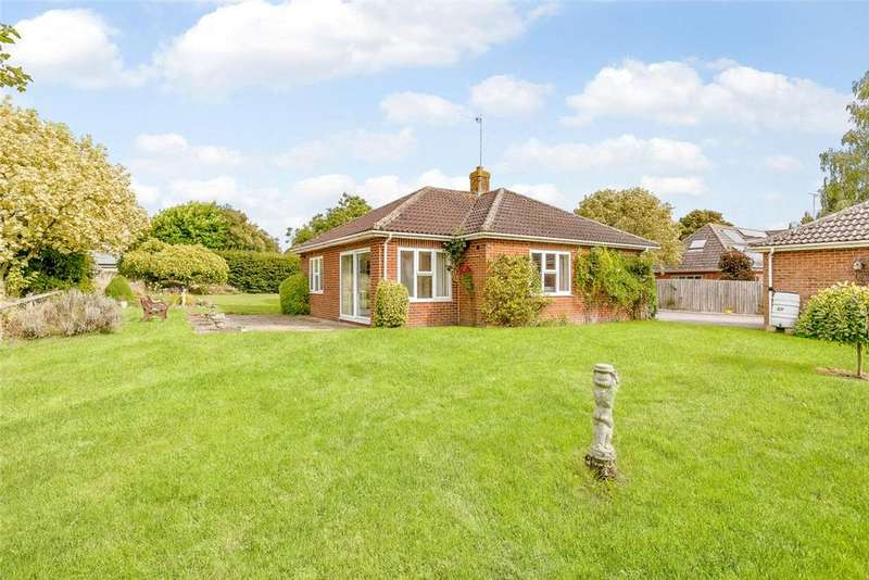 4 Bedrooms Detached Bungalow for sale in The Orchard, Chirton, Devizes, Wiltshire, SN10
