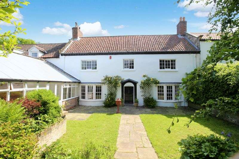 5 Bedrooms Property for sale in 71 Garth End Road West Ayton, Scarborough