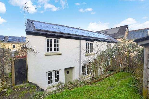 3 Bedrooms Semi Detached House for sale in Market Street, Buckfastleigh, Devon