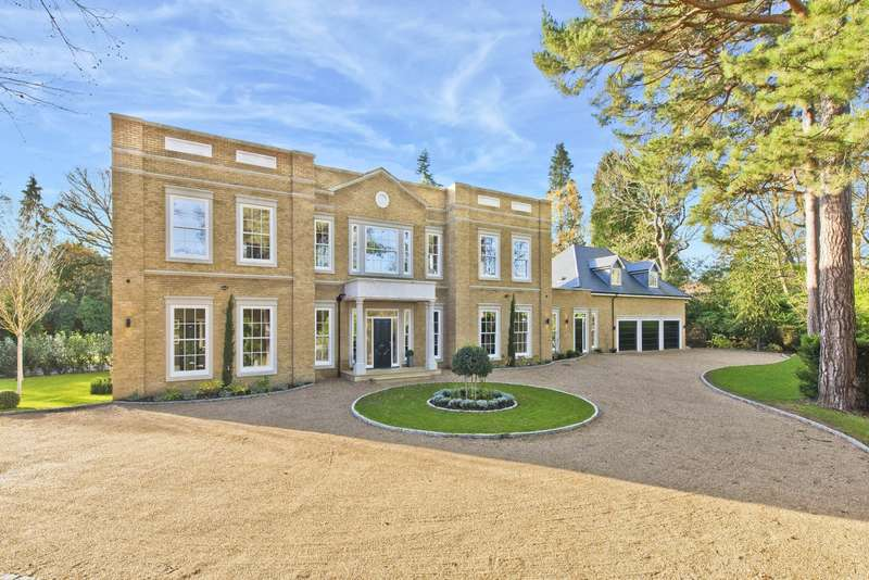 6 Bedrooms Detached House for sale in East Road, St George's Hill, Weybridge, KT13