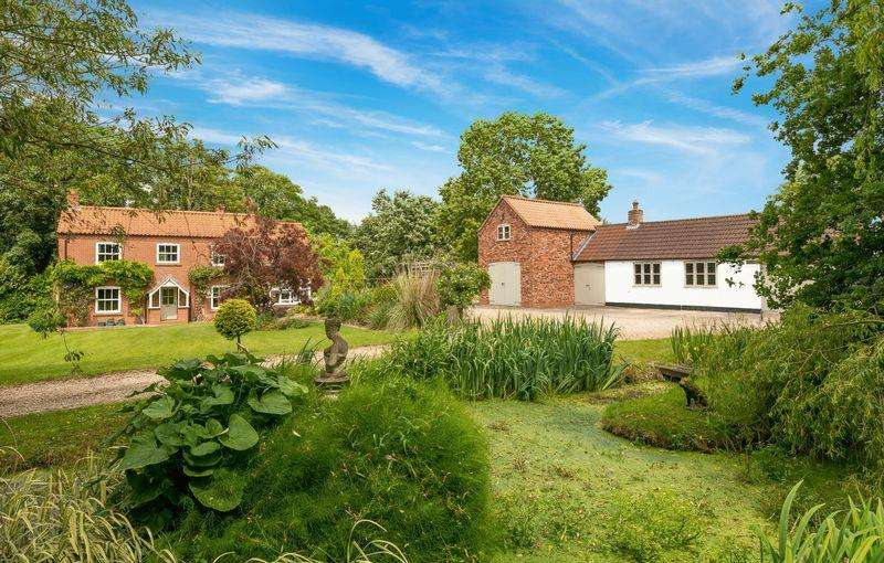 4 Bedrooms Detached House for sale in Horncastle Road, Goulceby set in approx 3.5 acres
