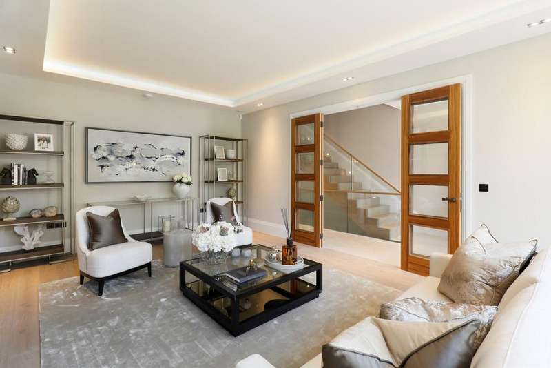 6 Bedrooms House for sale in Arterberry Road, London. SW20