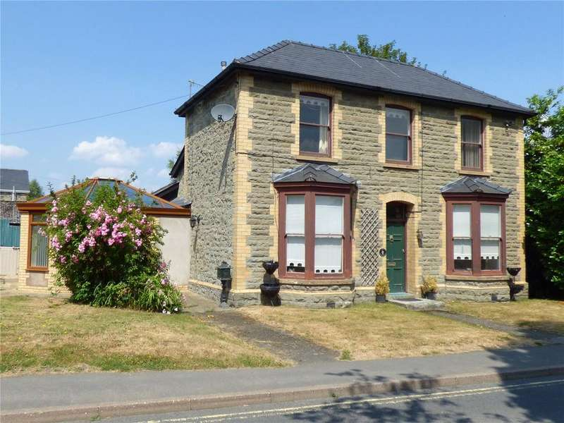 3 Bedrooms Detached House for sale in Hospital Road, Builth Wells, Powys