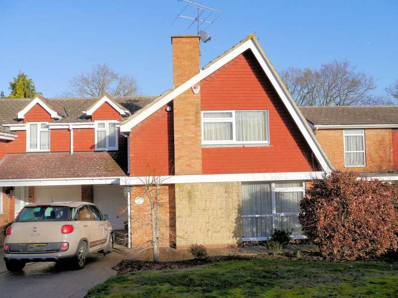 4 Bedrooms Link Detached House for sale in Wolf Lane, Windsor SL4
