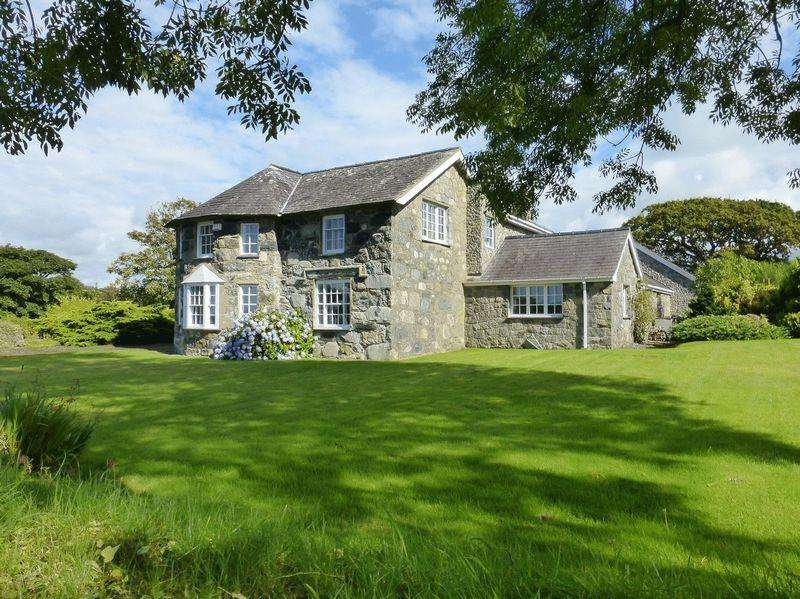 4 Bedrooms Detached House for sale in Pontllyfni