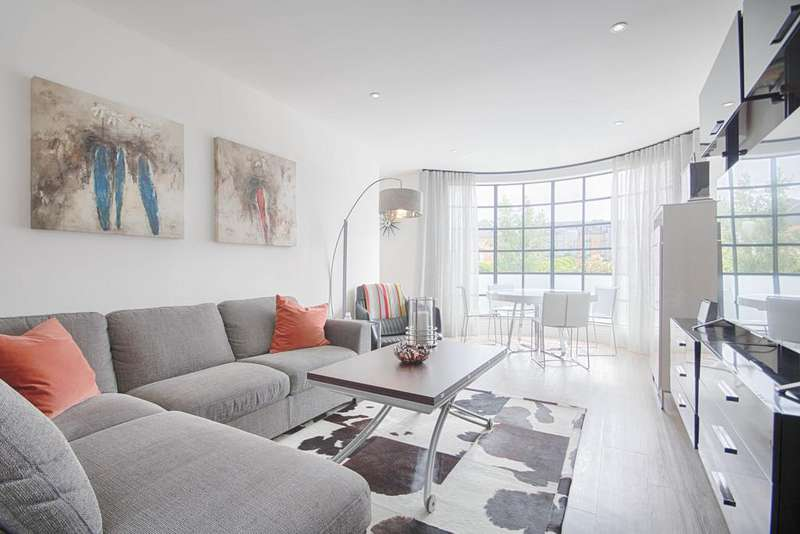 2 Bedrooms Apartment Flat for sale in Ware Road, Hertford