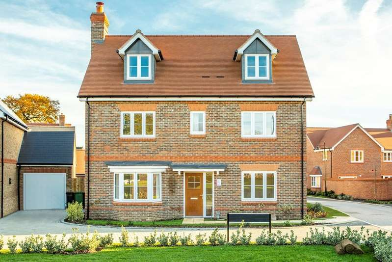 5 Bedrooms Detached House for sale in Lea Meadow, Peppard Road, Sonning Common, RG4