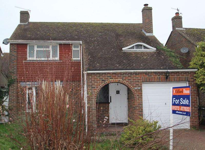 3 Bedrooms Detached House for sale in Shepherds Close, Piddinghoe, Newhaven