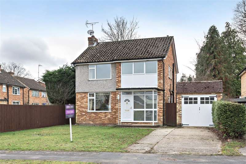 3 Bedrooms Detached House for sale in Grange Avenue, Crowthorne
