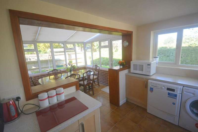 4 Bedrooms Detached House for sale in WIMBORNE TOWN CENTRE