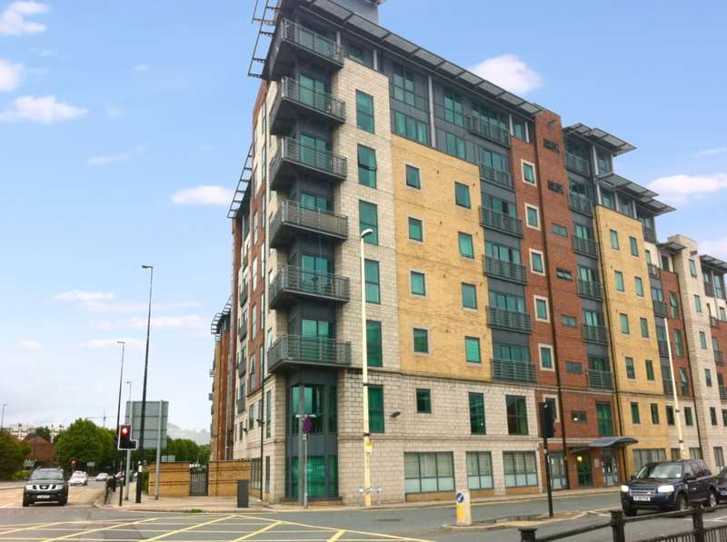 2 Bedrooms Apartment Flat for rent in City Point 2 156 Chapel Street, Salford, M3