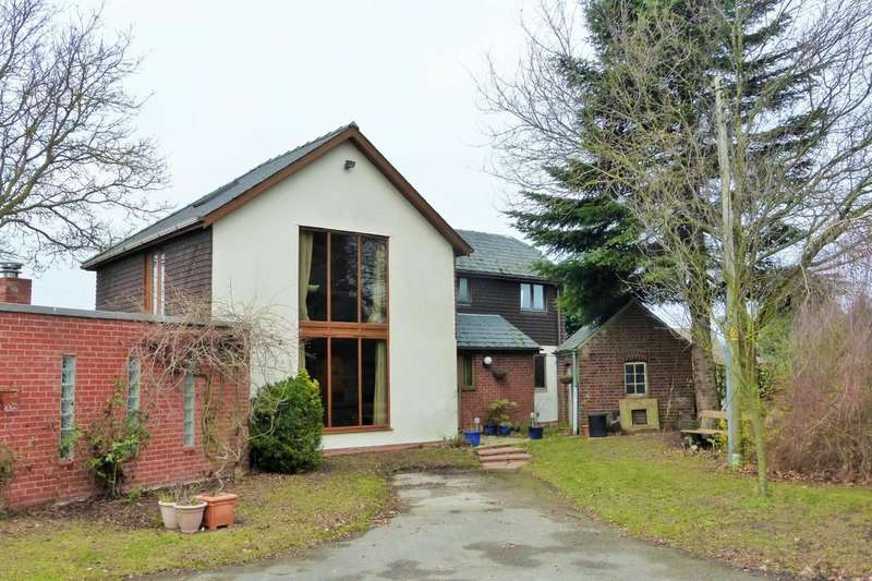 5 Bedrooms Detached House for sale in Little Plumstead