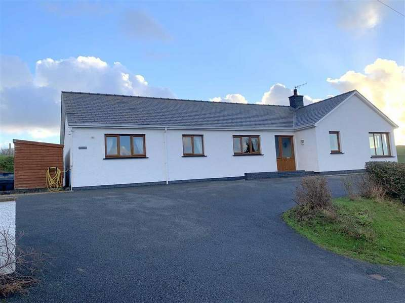 4 Bedrooms Detached Bungalow for sale in Goitre Road, Aberaeron, Ceredigion