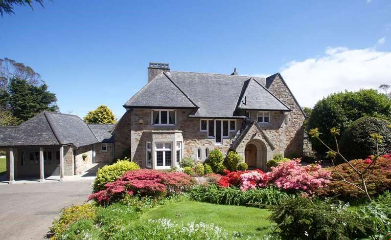 5 Bedrooms Detached House for sale in Treloyhan, St Ives, Cornwall
