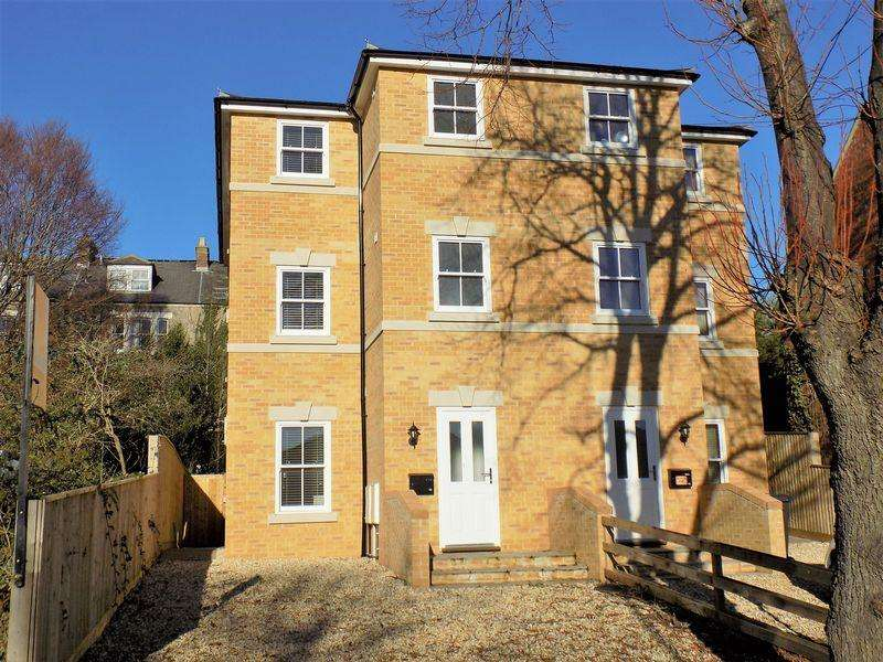 4 Bedrooms Semi Detached House for sale in Lansdowne Square, Weymouth, Dorset