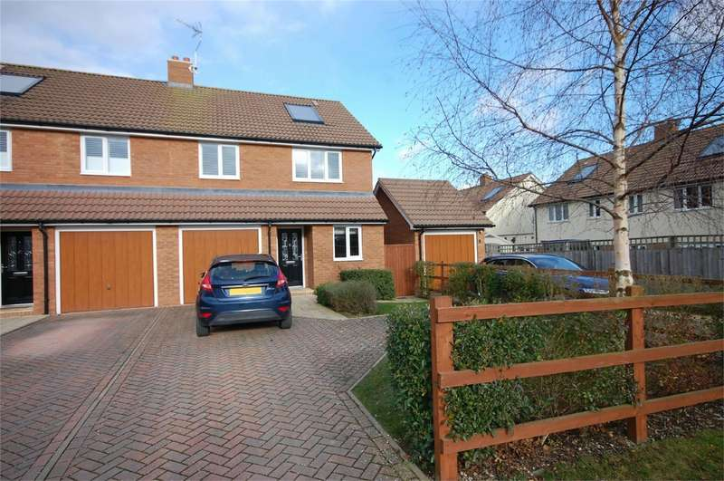 4 Bedrooms Semi Detached House for sale in Queens Mead, Aylesbury, Buckinghamshire