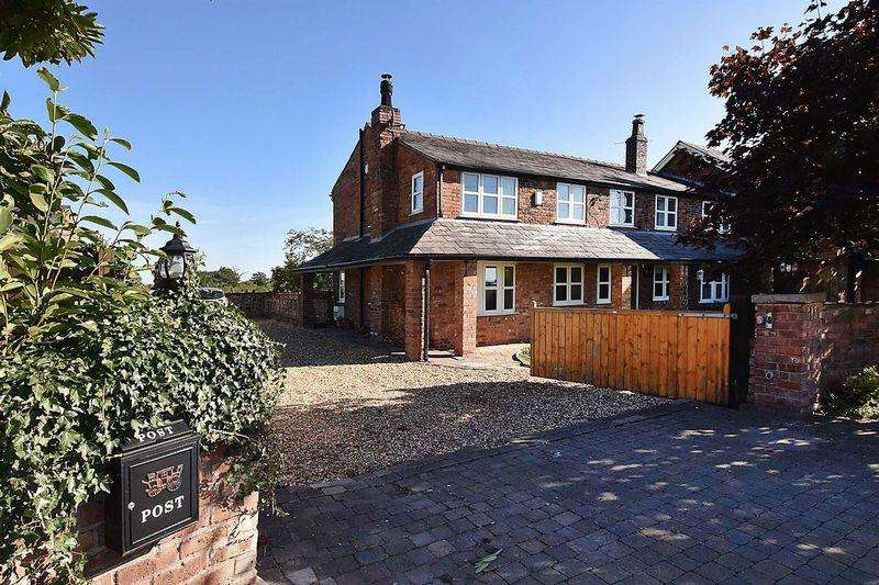 5 Bedrooms Cottage House for sale in Penny's Lane, Lach Dennis