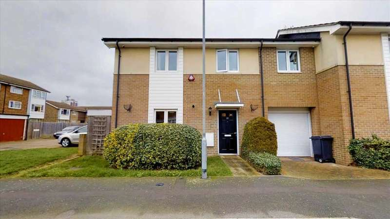 4 Bedrooms Semi Detached House for sale in Hobart Close, Chelmsford