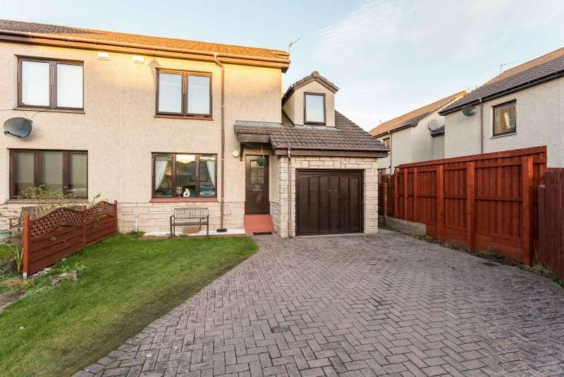 3 Bedrooms Semi-detached Villa House for sale in Gowrie Street, Dundee, DD2 1ES