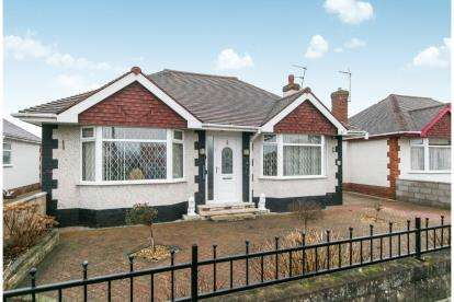 2 Bedrooms Bungalow for sale in Victoria Road West, Prestatyn, Denbighshire, North Wales, LL19