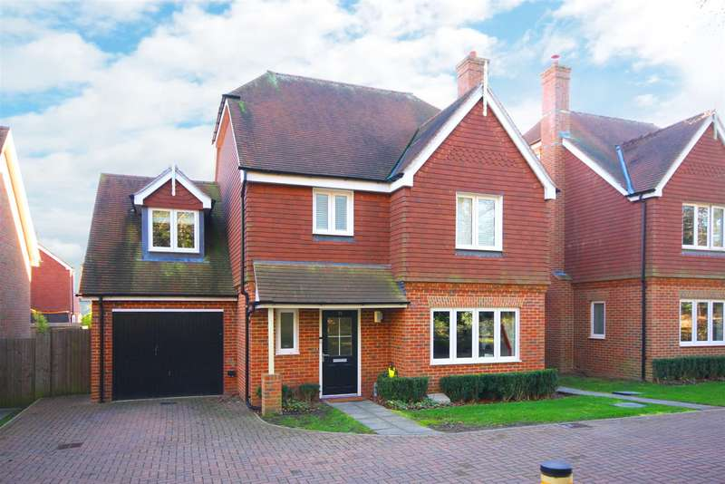 4 Bedrooms Detached House for sale in Ryeland Road, Folders Meadow, Burgess Hill