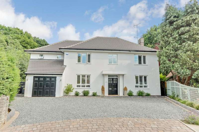 6 Bedrooms Detached House for sale in Warren Road, Leigh-on-Sea