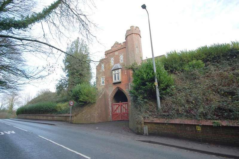 3 Bedrooms Detached House for sale in Upgate, Louth LN11 9QW