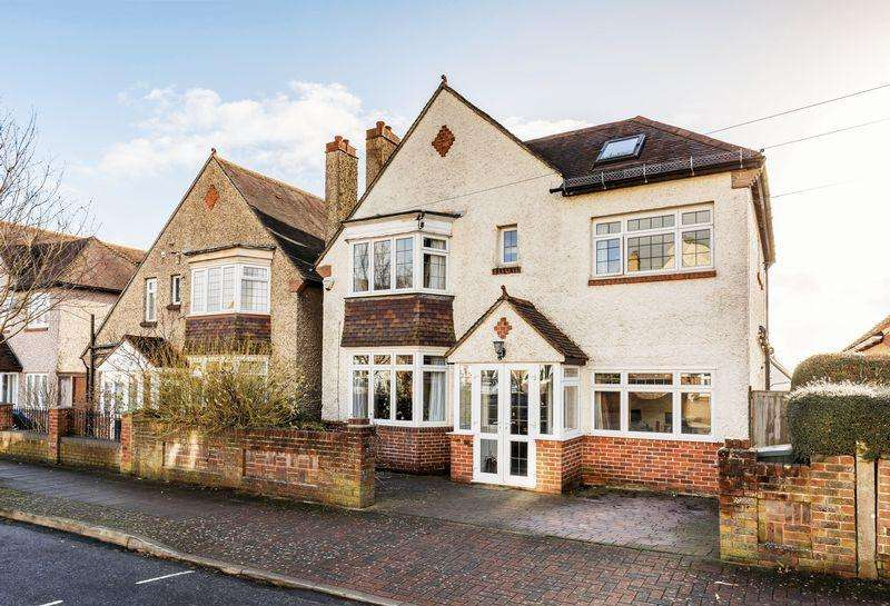 5 Bedrooms Detached House for sale in St. Johns Road, East Cosham