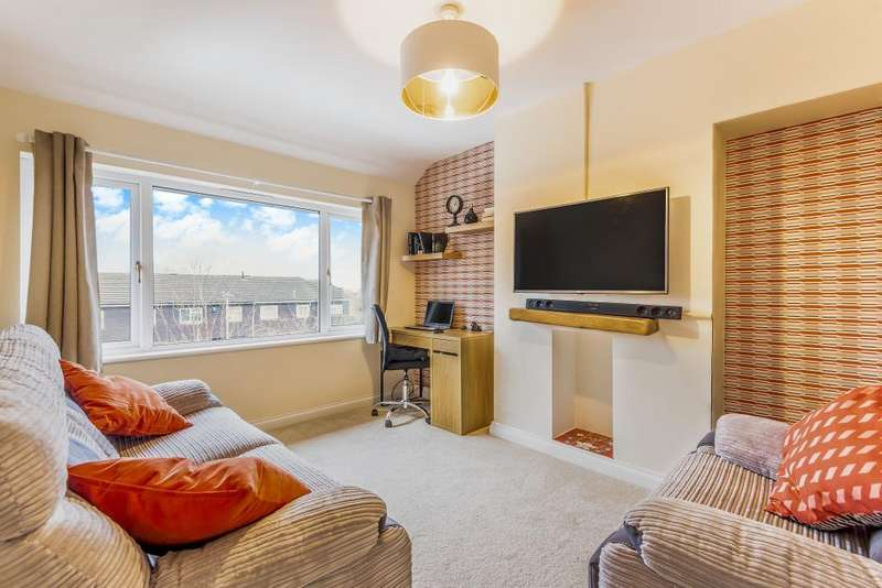 2 Bedrooms Maisonette Flat for sale in Barnsdale Road, Reading, RG2