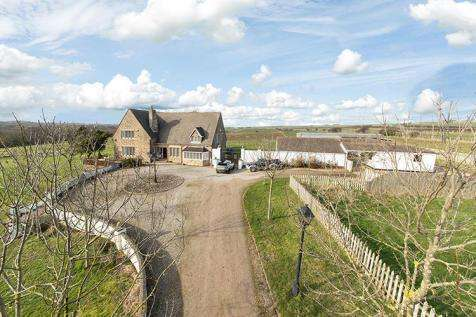 3 Bedrooms Farm House Character Property for sale in Brotton TS12