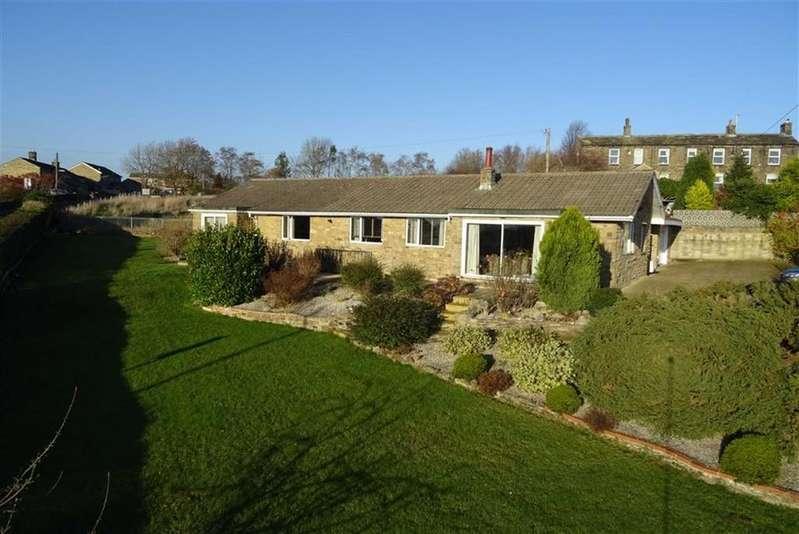 5 Bedrooms Detached Bungalow for sale in School Lane, Hartshead, WF15