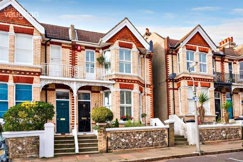 3 Bedrooms Semi Detached House for sale in Hollingbury Park Avenue, Brighton, BN1
