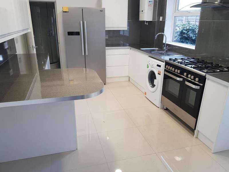 5 Bedrooms Semi Detached House for sale in Bedford MK42