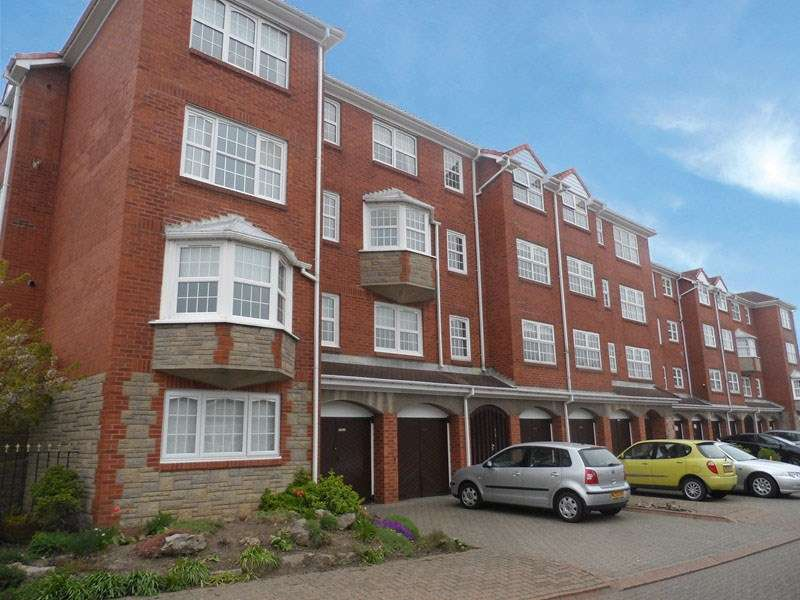 1 Bedroom Apartment Flat for sale in Rockcliffe, South Shields, South Shields, Tyne & Wear, NE33 3JH