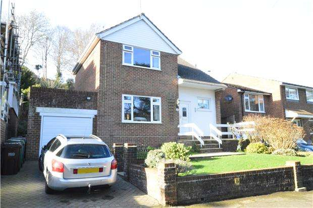 3 Bedrooms Detached House for sale in Vale Road, ST LEONARDS-ON-SEA, East Sussex, TN37 6PX