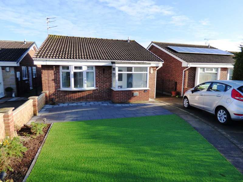 2 Bedrooms Detached Bungalow for sale in Wheatear Drive, Redcar