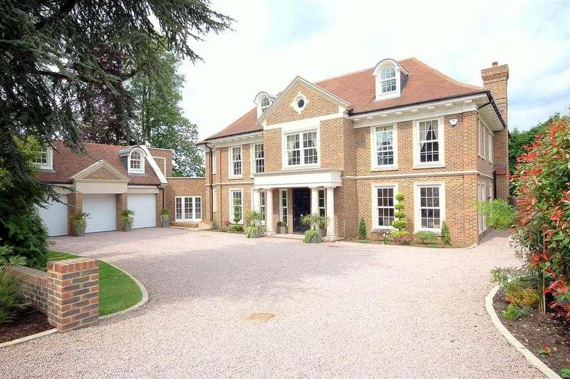 7 Bedrooms Detached House for sale in Warren Drive, Kingswood