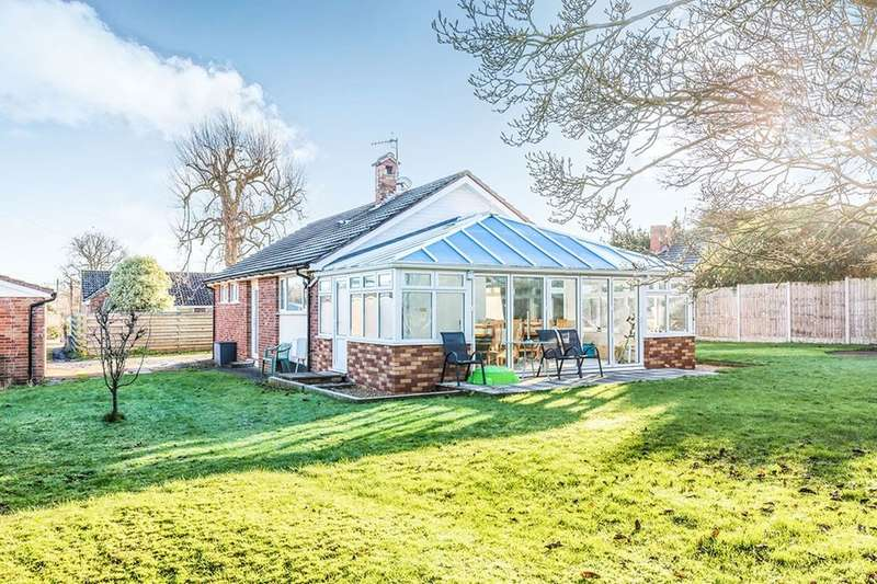 2 Bedrooms Detached Bungalow for sale in The Moorings, Pill, Bristol, BS20