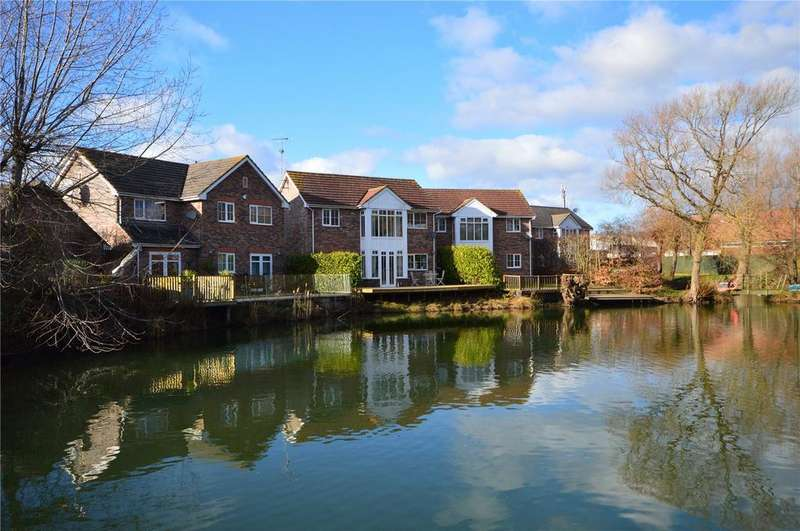 4 Bedrooms Detached House for sale in Telford Pool, Cheney Manor Road, Swindon, SN2