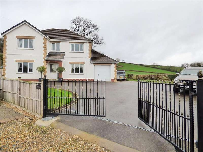 4 Bedrooms Detached House for sale in Trevaughan, Carmarthen