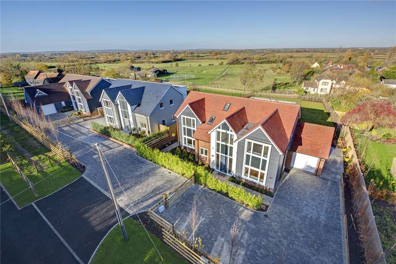 5 Bedrooms Detached House for sale in Meadow View, Shabbington, Buckinghamshire, HP18