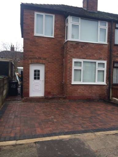 House for sale in Lostock Avenue, Warrington, Cheshire
