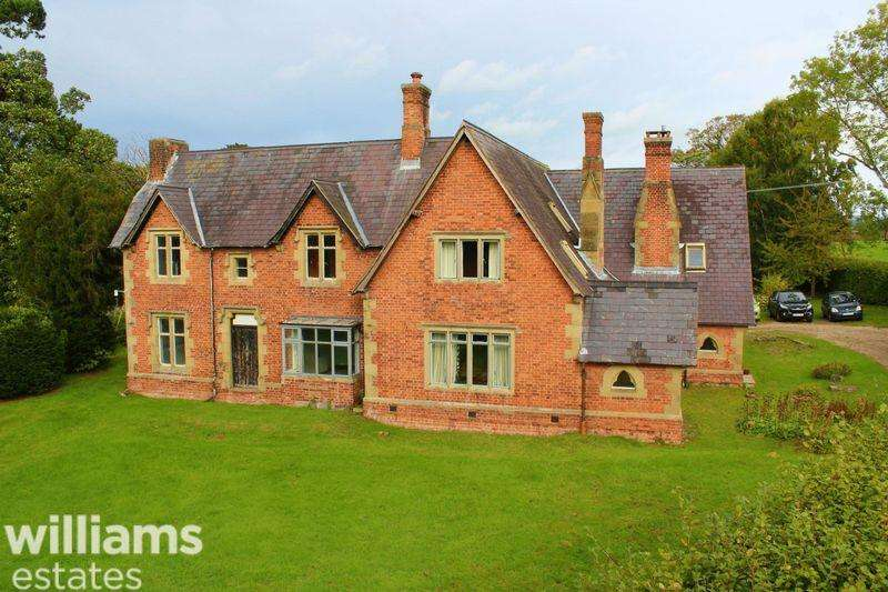 6 Bedrooms Unique Property for sale in Llanychan, Ruthin