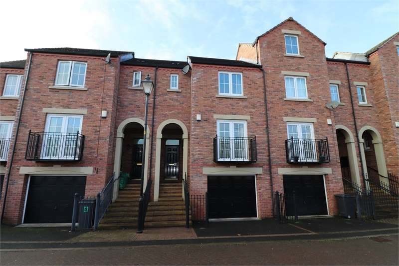 3 Bedrooms Town House for sale in CA2 5GY Mcilmoyle Way, CARLISLE, Cumbria