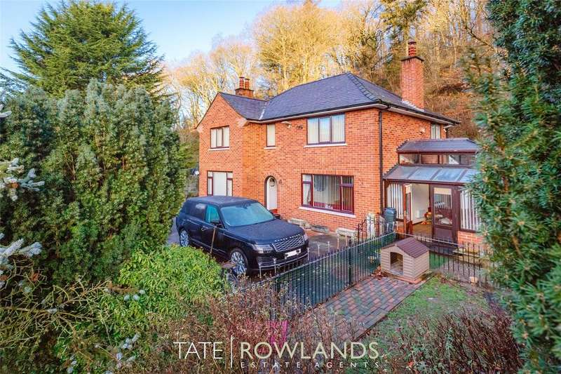 4 Bedrooms Detached House for sale in Denbigh Road, Caerwys, Mold, CH7