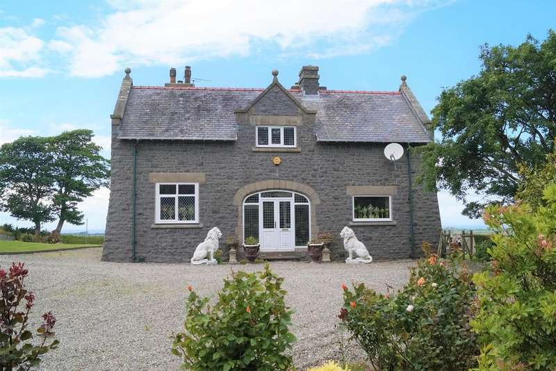 4 Bedrooms Detached House for sale in Dinas, Pwllheli
