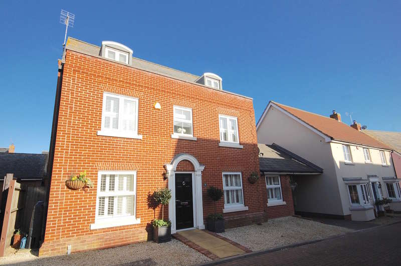 5 Bedrooms Detached House for sale in Judge Road, Chancellor Park, Chelmsford, CM2